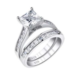 Jewelry - CERTIFIED 1.8 cttw Diamond Ring